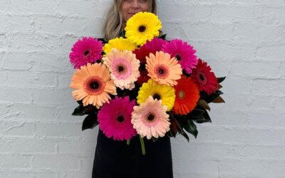 large-gerbera-arrangements-currey-flowers